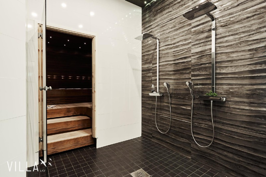 kylpyhuone-moderni-laatat-sadesuihku