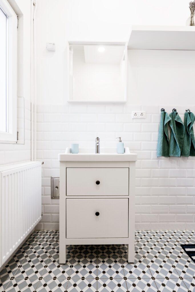 kylpyhuone lattialaatat-min