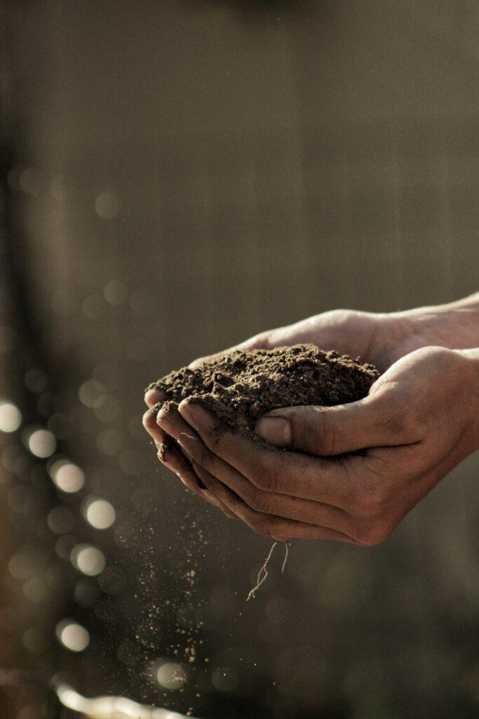 maaperä-min